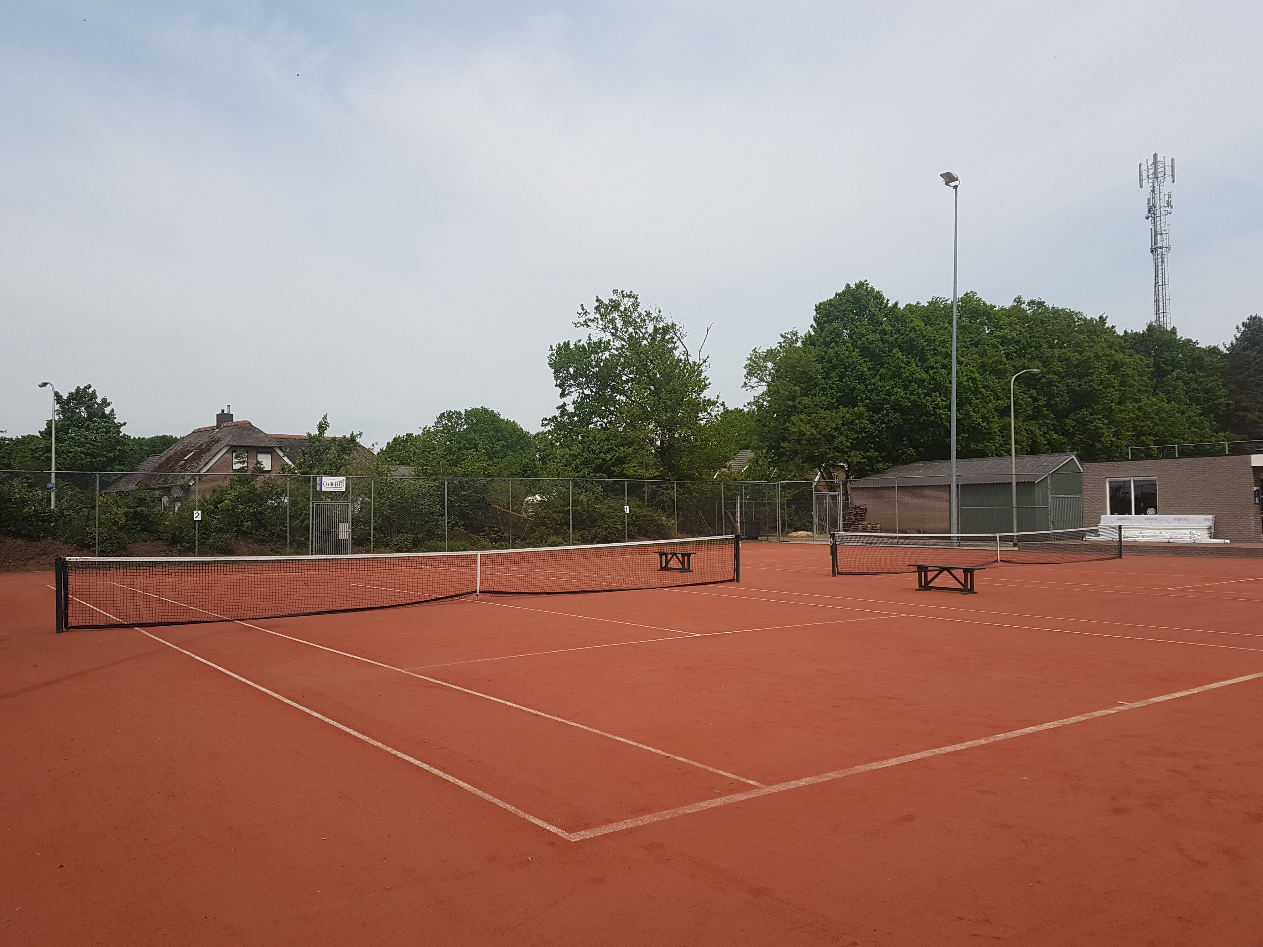 https://www.debelte.nl/wp-content/uploads/2016/11/Tennisbaan.jpg